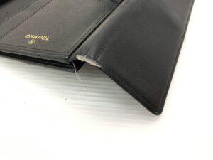 CHANEL シャネル財布 カド破れ修理 全体染め直し