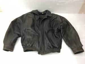 【ジャケット修理】レザージャケット カビ、変色、擦れ 染め直し修理